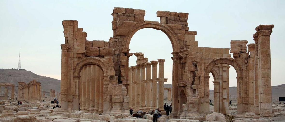 تخریب طاق پیروزی شهر باستانی پالمیرا توسط داعش
