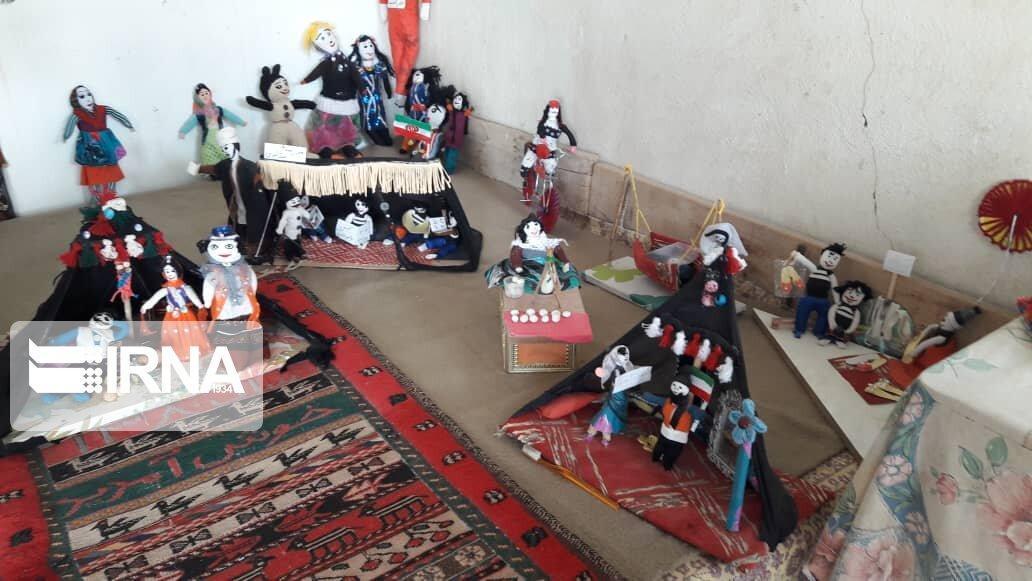 خبرنگاران دستان خلاق بانوی سیرجانی در یاری به محیط زیست و صنایع دستی