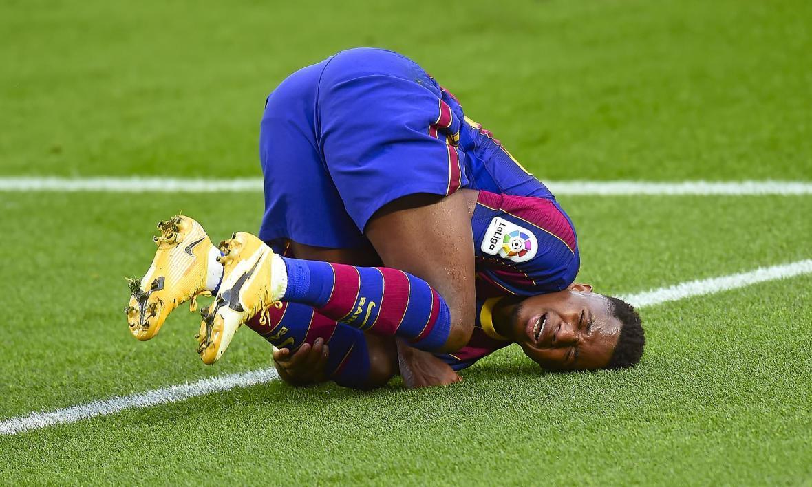 خبر بد برای هواداران بارسلونا؛ آنسو فاتی، زانوی مصدوم خود را به تیغ جراحان می سپارد