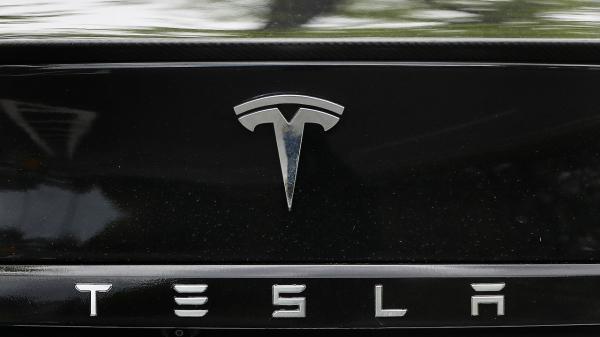 تحقیق دولت فدرال روی تصادفات جدید راننده اتوماتیک شرکت تسلا