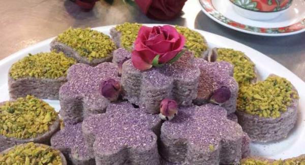 طرز تهیه حلوای گل سرخ (گل محمدی) خوش عطر و لذیذ