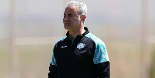 مربی آلومینیوم اراک: مرادی داور را مجاب به اخراج منصوریان و خطیبی کرد، او باعث تنش های آخر دربی شد