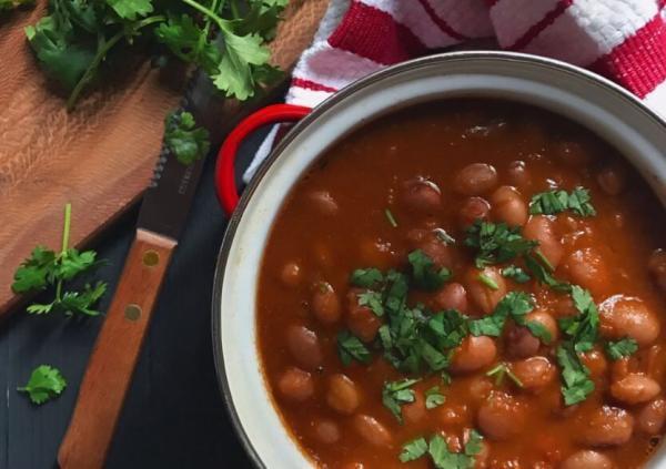 طرز تهیه لوبیا گرم یا خوراک لوبیا چیتی؛ از این راحت تر نمی شود!